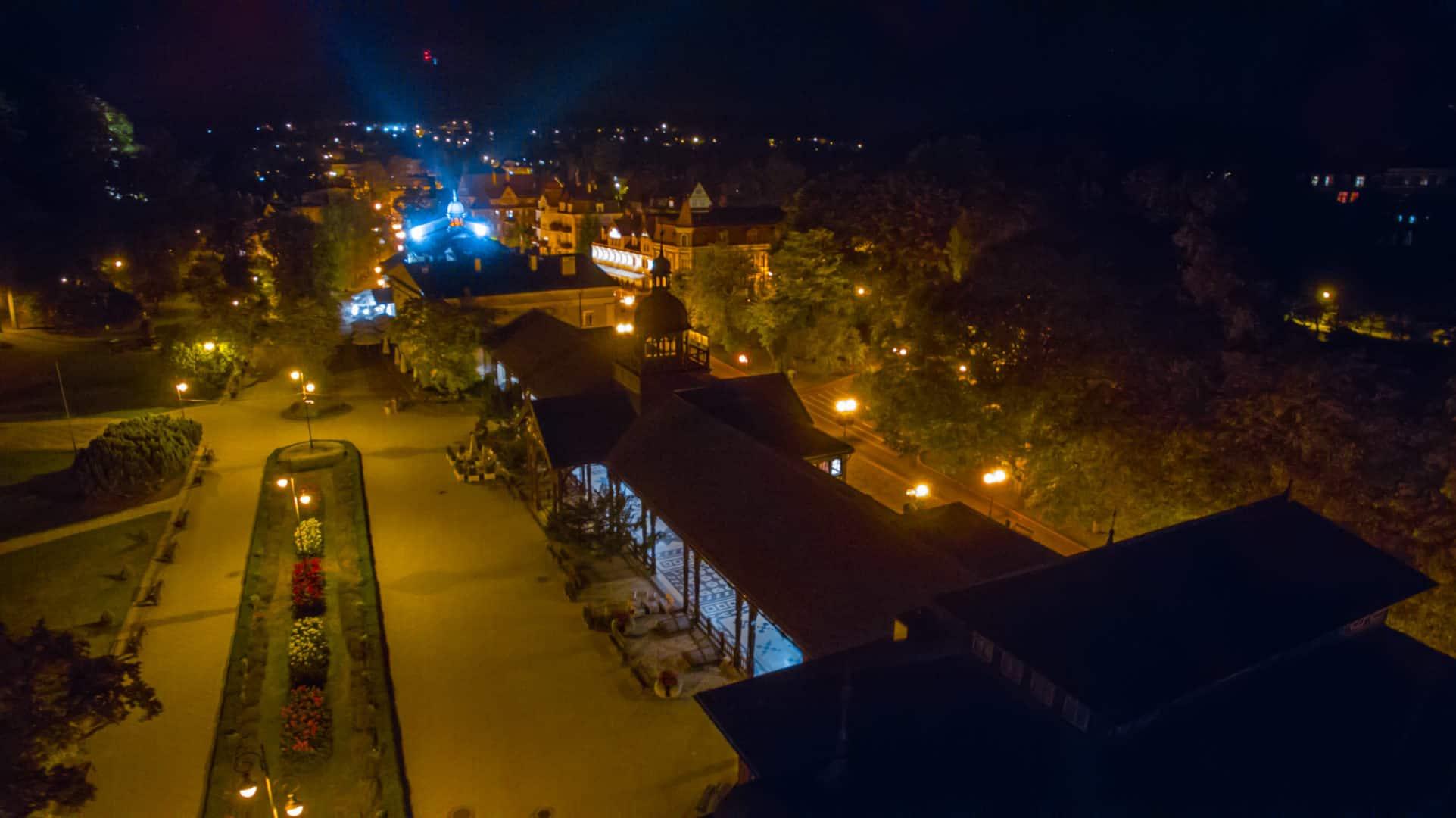 Nocny deptak Szczawno-Zdrój